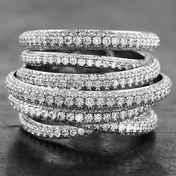 pavéring with seven rounded crossed bands pavé set with brilliant cut diamonds