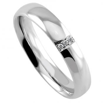 wedding band ring slightly rounded (light oval profile) on the inner and outside with three brilliant cut diamonds set traverse