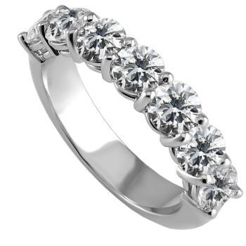 alliancering anniversary alliance with brilliant cut diamonds with a rounded band below