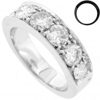 wedding ring diamond band with brilliant cut diamonds in pavésetting