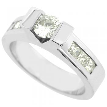 ring 18kt for round in V & princess-cut aside