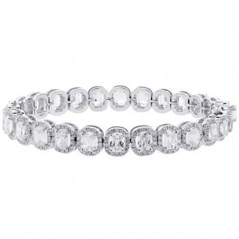 entouragebracelet with cushion shaped diamonds