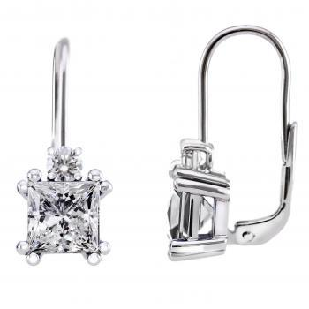 earrings with clip system with a princess cut diamond set with double prongs surmounted by a brilliant set in 4 prongs