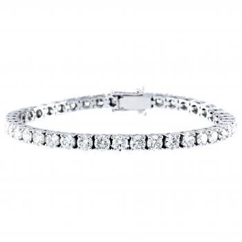 tennis bracelet with brilliant cut diamonds