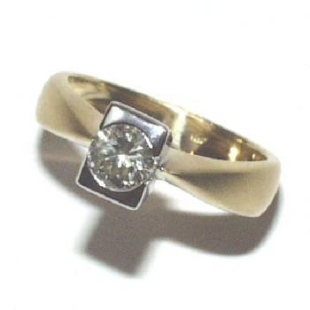 ring 18kt briljant 0,53 ct KSI