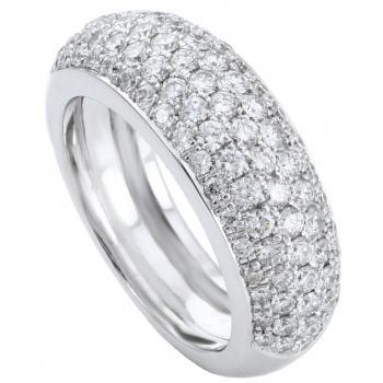 pavé ring rounded with brilliant cut diamonds