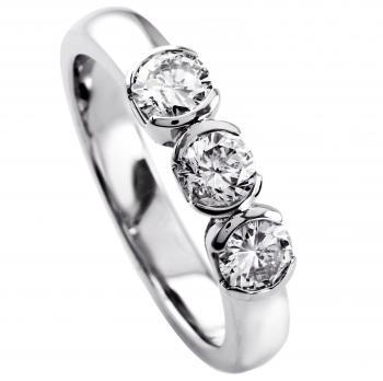 rounded solitairering with three brilliant cut diamond bezel set in separated half open pots