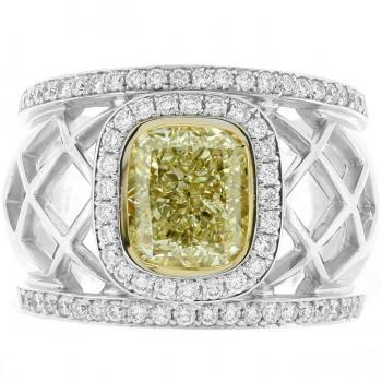 bollige roosterring met ovale fancy yellow diamond van 3.04ct