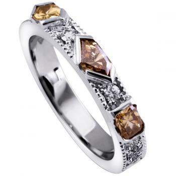 alliancering met fantasie geslepen bruin of fancy brown diamonds